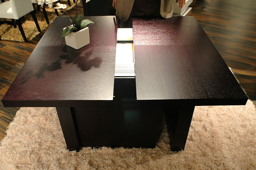 Largo Expandable Table